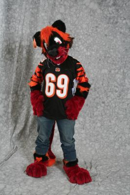 File:Sodders-Fursuit2.jpg