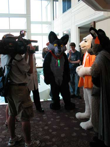File:Anthrocon-2007-WTAE.jpg