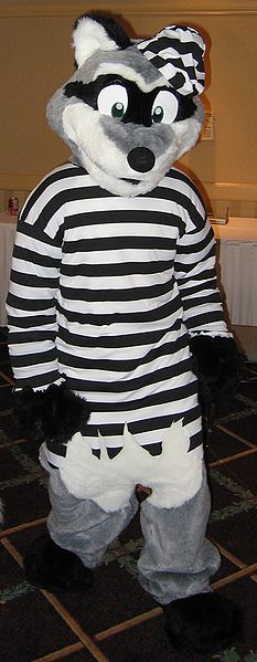 File:Howloween 2005 Rummy Raccoon.JPG