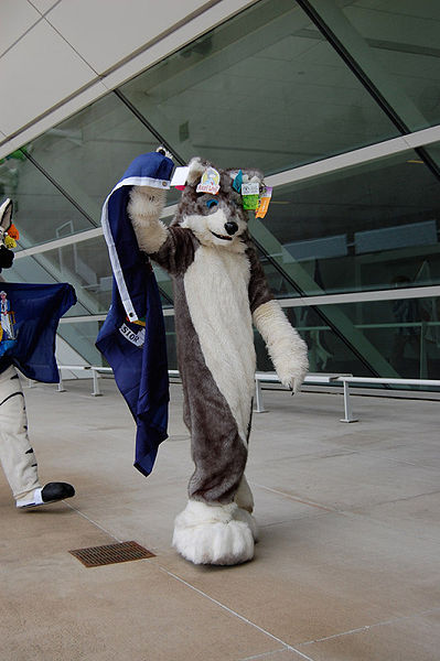 File:Axel wolf fursuit parade anthrocon 2009.jpg