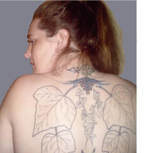File:Julias back.JPG