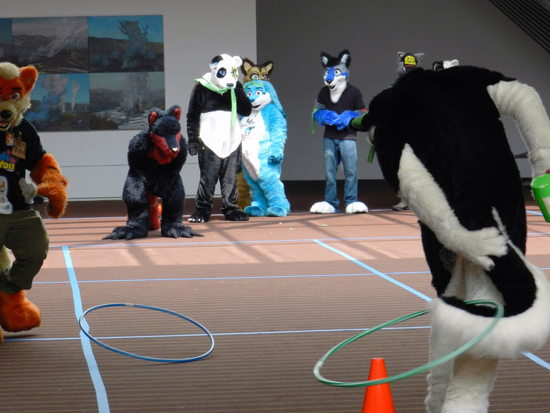 File:AC2012-FursuitGames-RelayRace.JPG