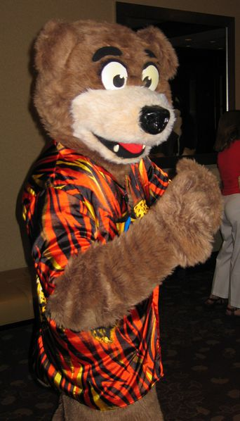 File:AC 2007 Brace Bear.JPG