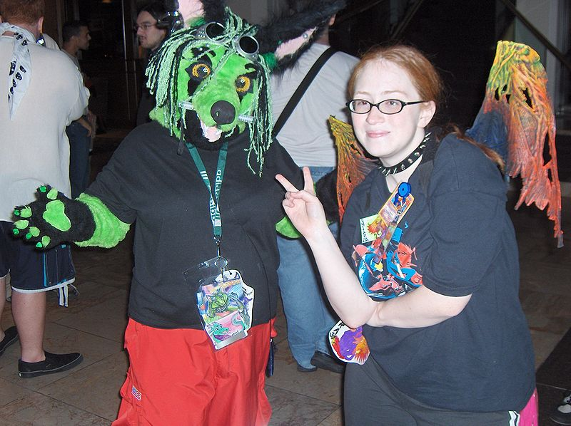 File:GR AC2007 Moon Mochi (as Raven) and Astra.jpg