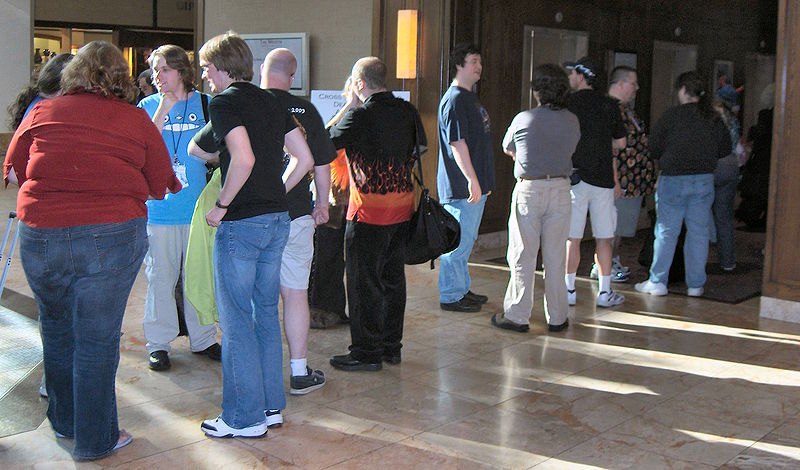 File:WaitingForElevatorsAtAnthrocon2006.jpg