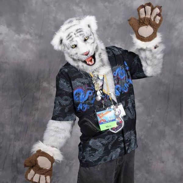 File:Kovu-rocker-suit.jpg